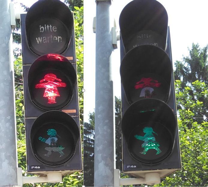 Foto das das rote und das grüne Ampelmädchen zeigt