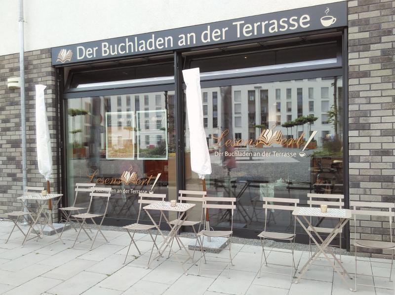 Buchhandlung-Café von außen