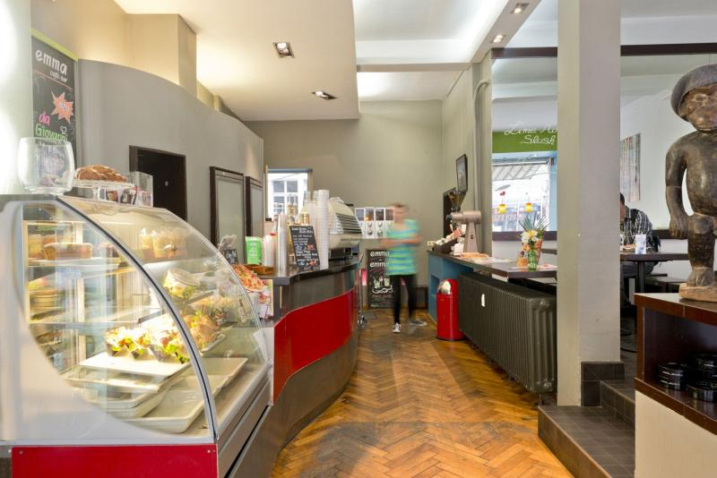 Italienische Cafe Bar Sonntagstra Ef Bf Bde