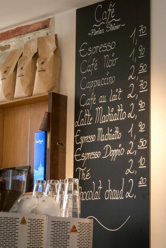 Tafel mit Kaffeepreisen
