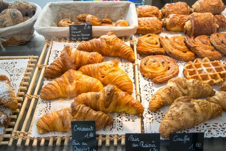 Croissants und weitere französische Süßspeisen