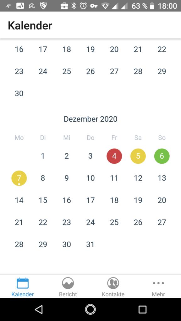Kalender mit verschiedenfarbig markierten Tagen