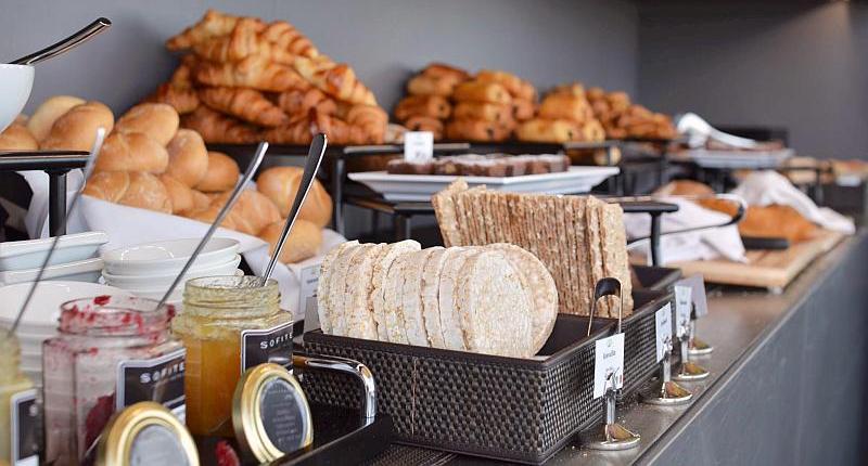 Foto eines Brühstückbuffets in Wien.