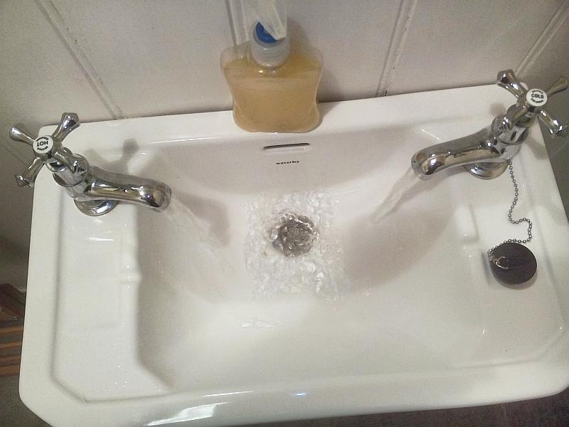 Britische gedanken aus dem bad stadt am fluss und ich for Bathroom s bandcamp