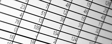Tabellenzellen mit Zahlen, Schwarz-Weiß